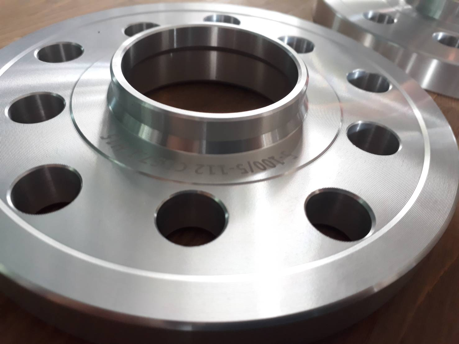 Spacer หนา 15 มม. 5รู100 และ 5x112 center bore 57.1mm. Aluminium (Forged)